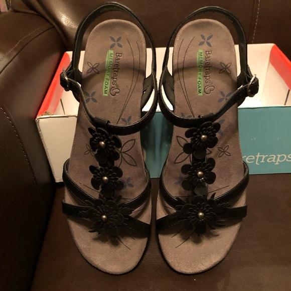 60baa1358b79 Hammond Wedge Sandals
